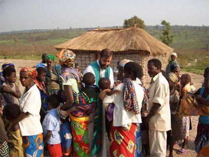 Cristofobia. Madagascar: violadas una religiosa, tres aspirantes y una voluntaria en un asalto a un convento