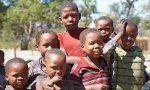 Los niños africanos son el futuro de este continente y es clave ayudarles en alimentación, sanidad y educación