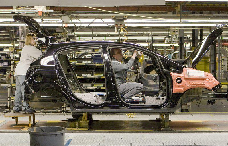 Automóvil. España fabrica 7.843 coches al día, 400 menos que en los años previos a la crisis