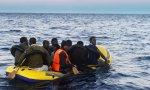 El problema de los refugiados se soluciona ayudándoles en su patria.