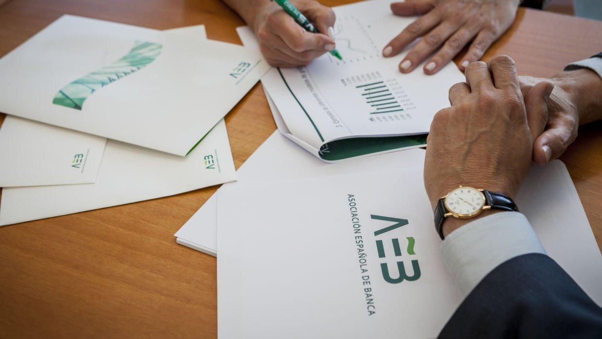 Nueve entidades de la AEB no lograron beneficios