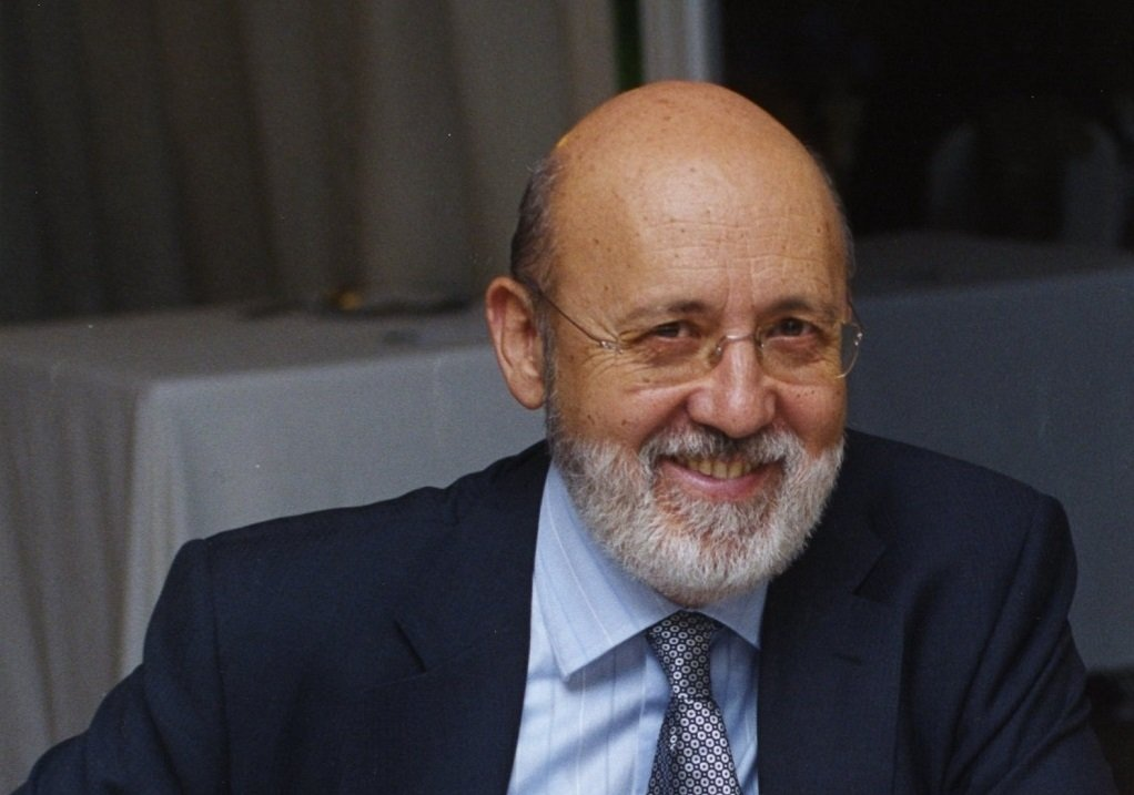 José Félix Tezanos, un histórico socialista se puso al frente del CIS y el PSOE no ha dejado de subir...