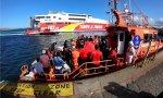 Rescate de inmigrantes venidos en patera en aguas del Estrecho de Gibraltar.