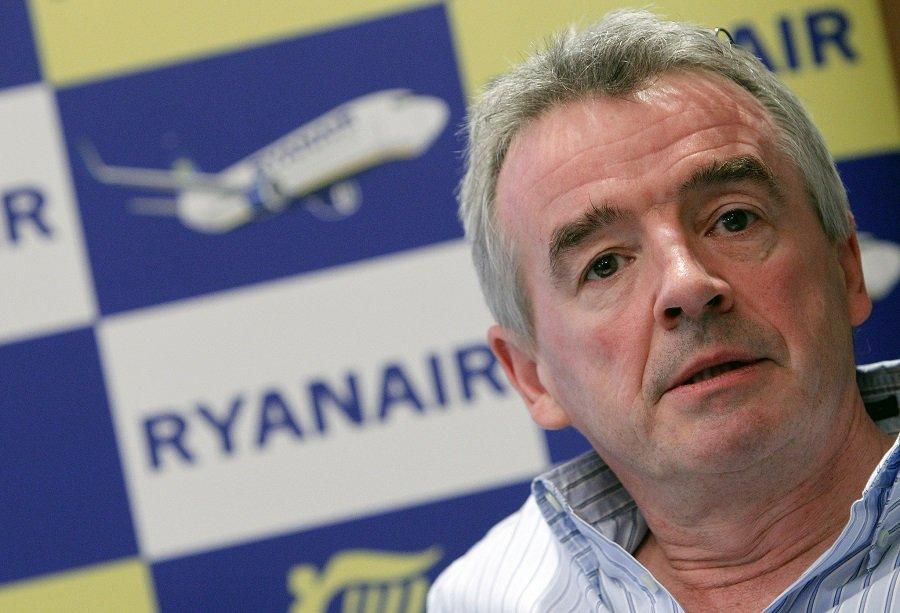 Michael O'Leary tiene un gran negocio en España, pero no quiere aplicar las leyes de aquí...