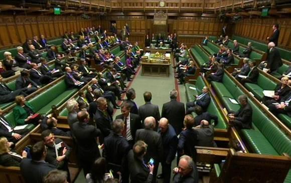 Elecciones del 7 de mayo en Gran Bretaña. Los principales líderes comulgan con el Nuevo Orden Mundial