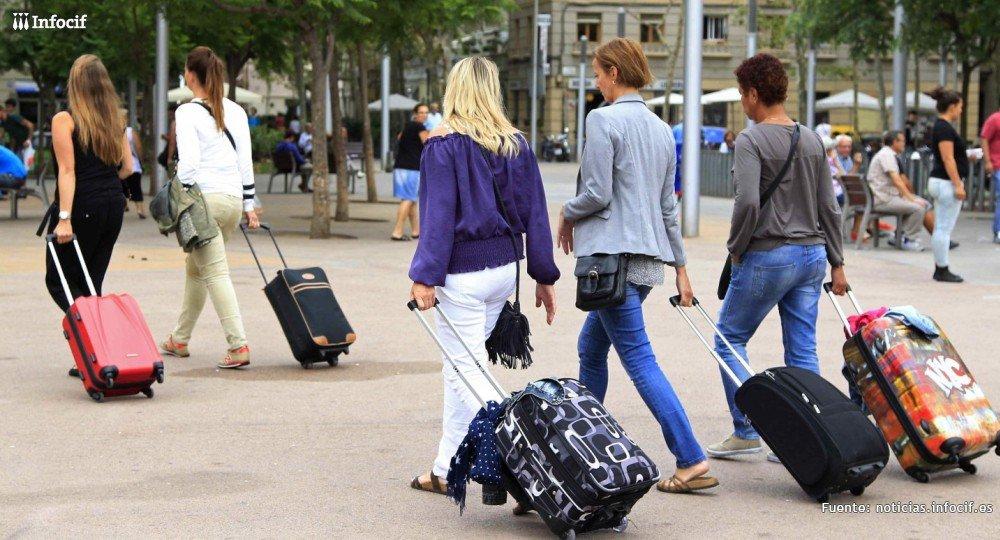 Nuevo récord: en 2019 visitaron España 83,7 millones de turistas (+1,1%) y, más importante, gastaron un 2,8% más