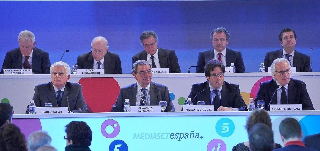 Los salarios de la telebasura. Los minoritarios de Mediaset votan en contra de la retribución de Vasile, Tringali y Echevarría