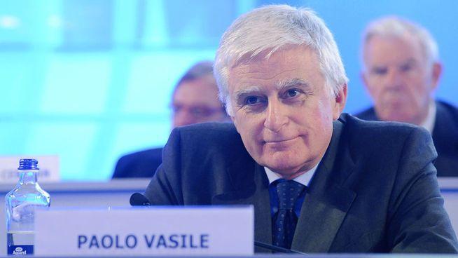 Vasile se agarra a Mediaset a costa de la caja del grupo, que ha perdido la mitad del valor en 20 meses