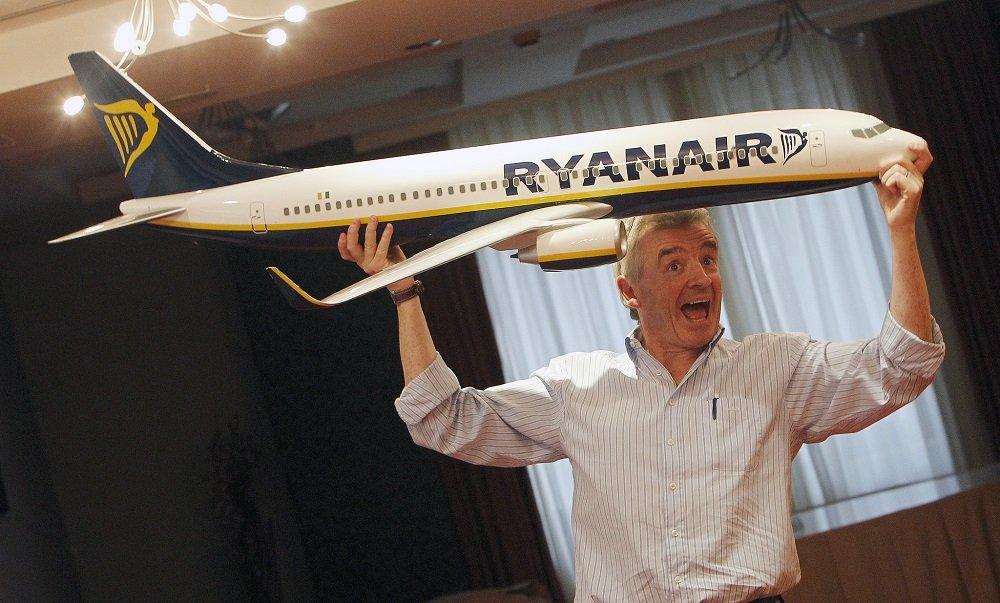 O'Leary dirige Ryanair, la líder en Europa que hace negocio maltratando a clientes y empleados