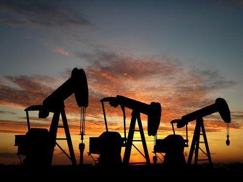 La otra cara de la caída del petróleo: más de 33.000 despidos, menos beneficios y más fusiones