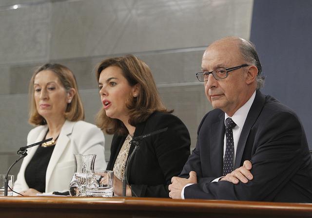 Consejo de Ministros. Montoro, campeón contra el fraude fiscal, endurece la persecución de Hacienda