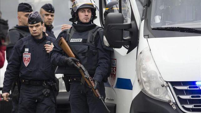 La 'guerra islámica' contra los cristianos llega a París: un joven francés preparaba atentados contra iglesias católicas