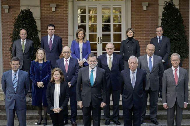 El error de Soraya. Rajoy advierte que será enterrado como los faraones: con todos sus servidores