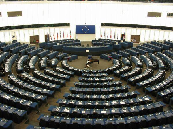 El Eurogrupo aprieta las tuercas a Grecia y a España