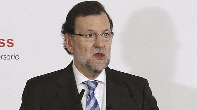 Ante el desastre del PP, Rajoy se crece y sigue vendiendo sólo logros económicos