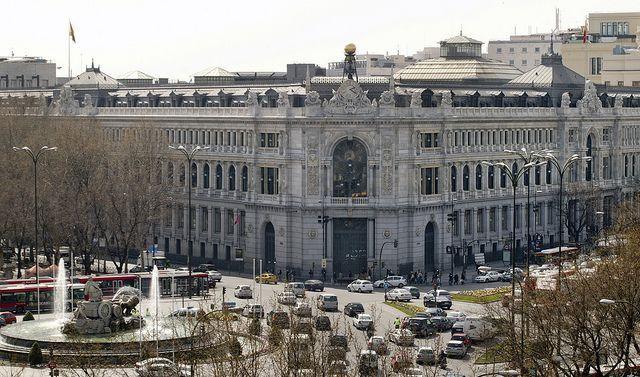 Banco de España: se consume más gracias a que hay más empleo y a la mejora financiera