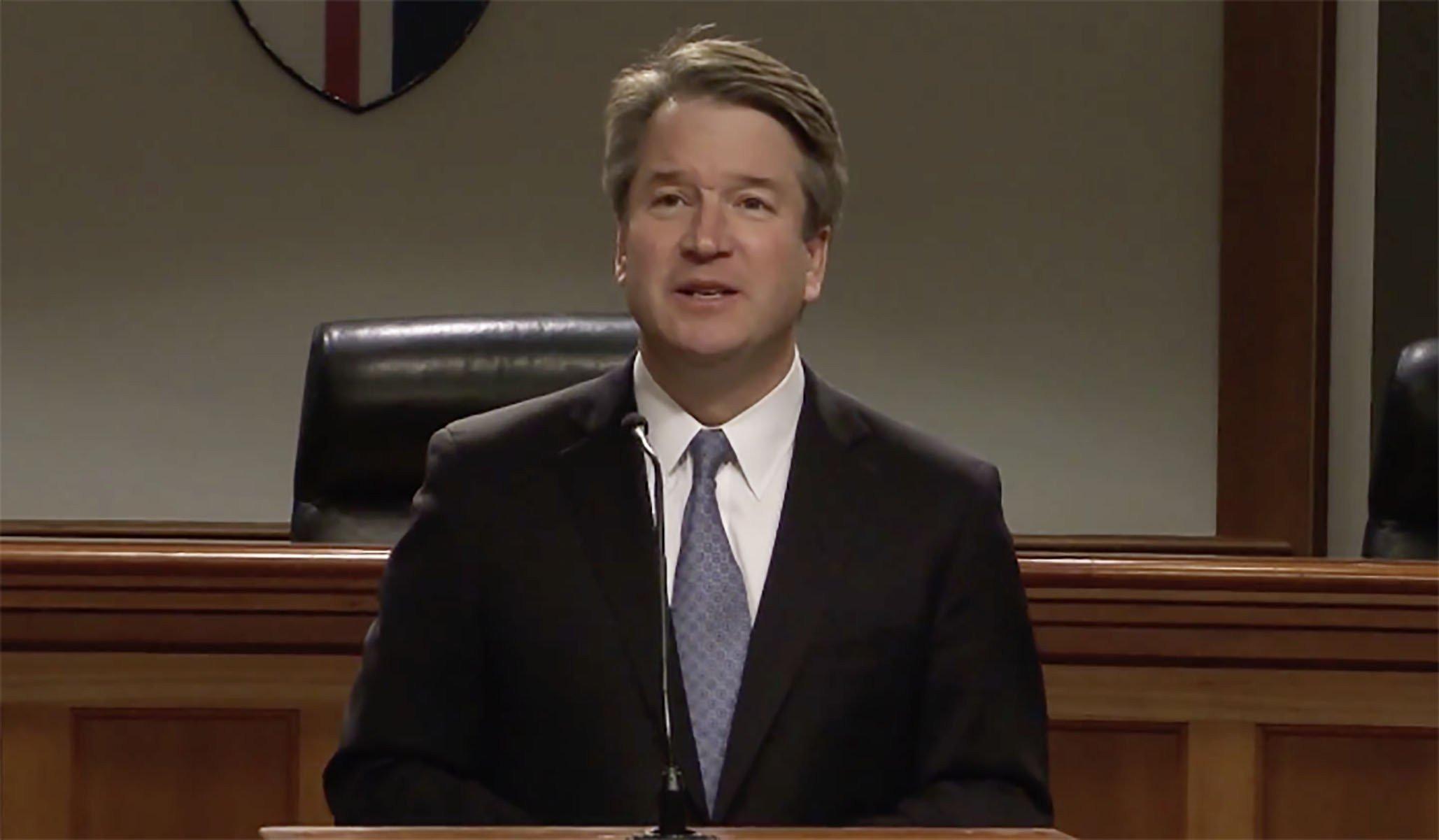 Kavanaugh ya es juez del Supremo pese a la campaña en contra de él