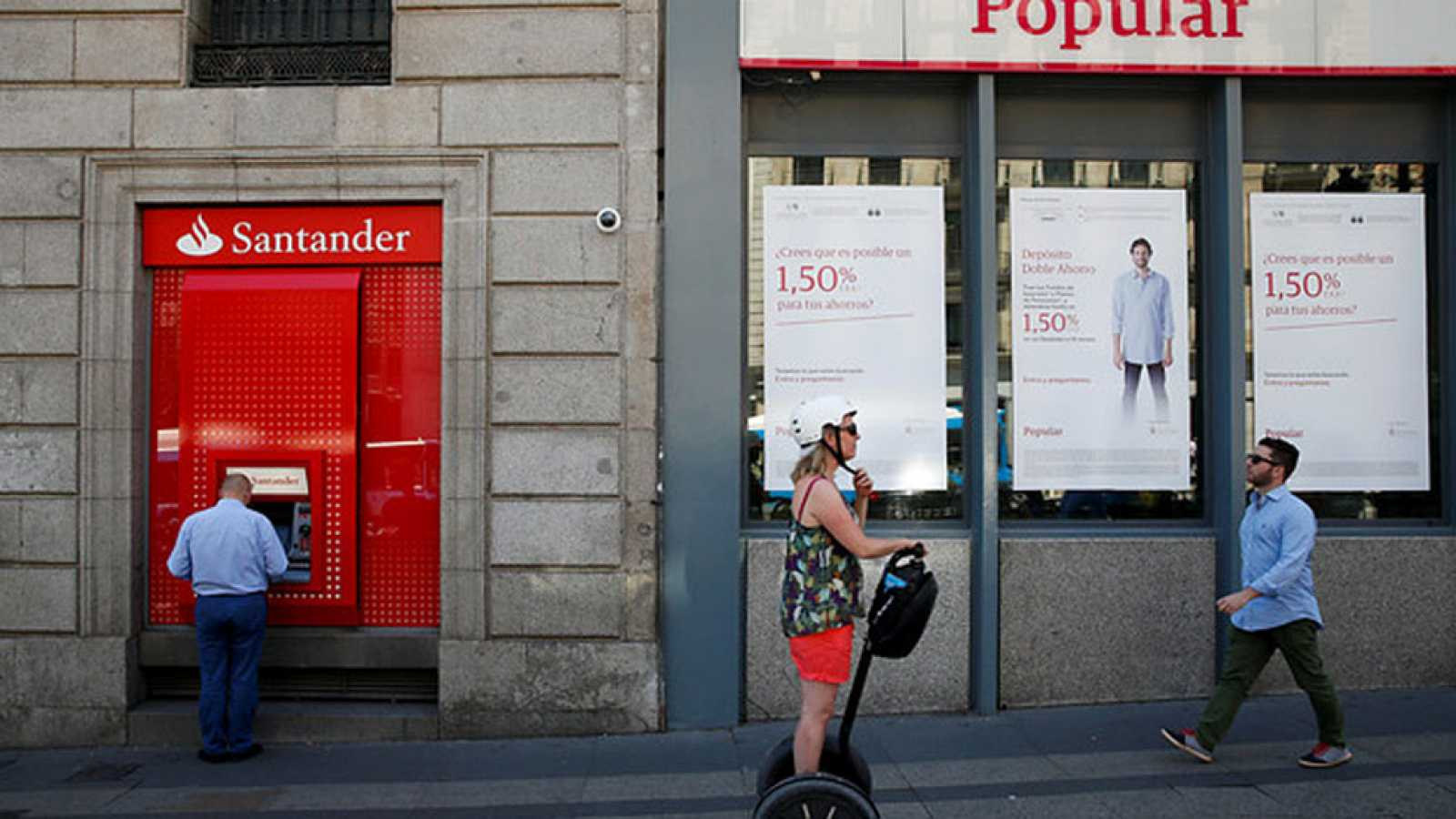 El Santander cambia de estrategia: antes, el Popular era un caso fortuito, sin culpables; ahora arremete contra Ángel Ron