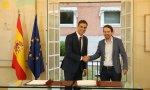 Pedro Sánchez y Pablo Iglesias en La Moncloa tras firmar el acuerdo