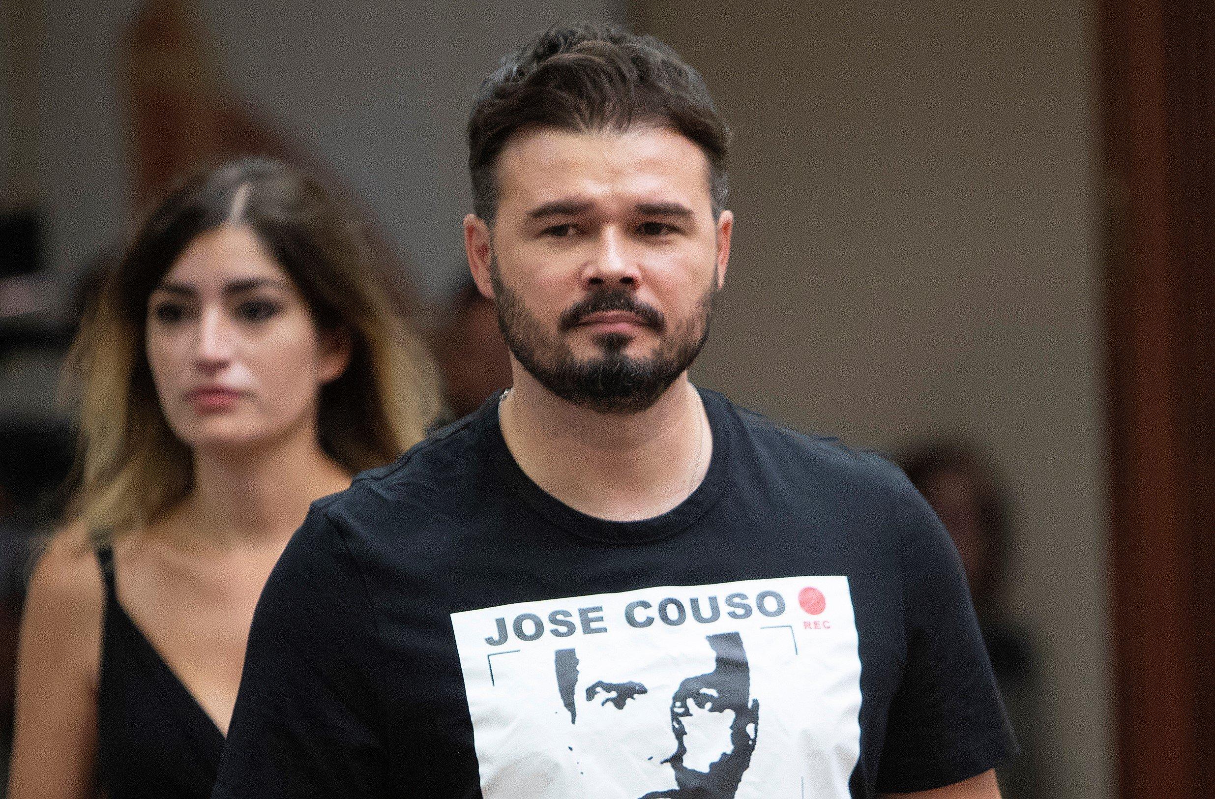 Gabriel Rufián, uno de los lectores del manifiesto, cobra 85.719 euros al año