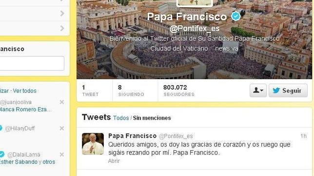 Mientras Obama se mira el ombligo en su primer tuit, el Papa Francisco pidió que rezaran por él