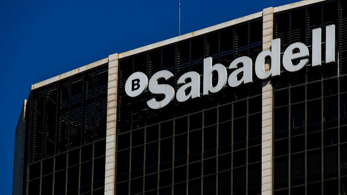 El negocio bancario del Sabadell se estanca y el beneficio se dispara (+216%) gracias a las menores provisiones