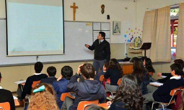 """Educación. Otro golpe a la enseñanza religiosa: no enseñes el catecismo, enseña """"cultura de las religiones"""""""