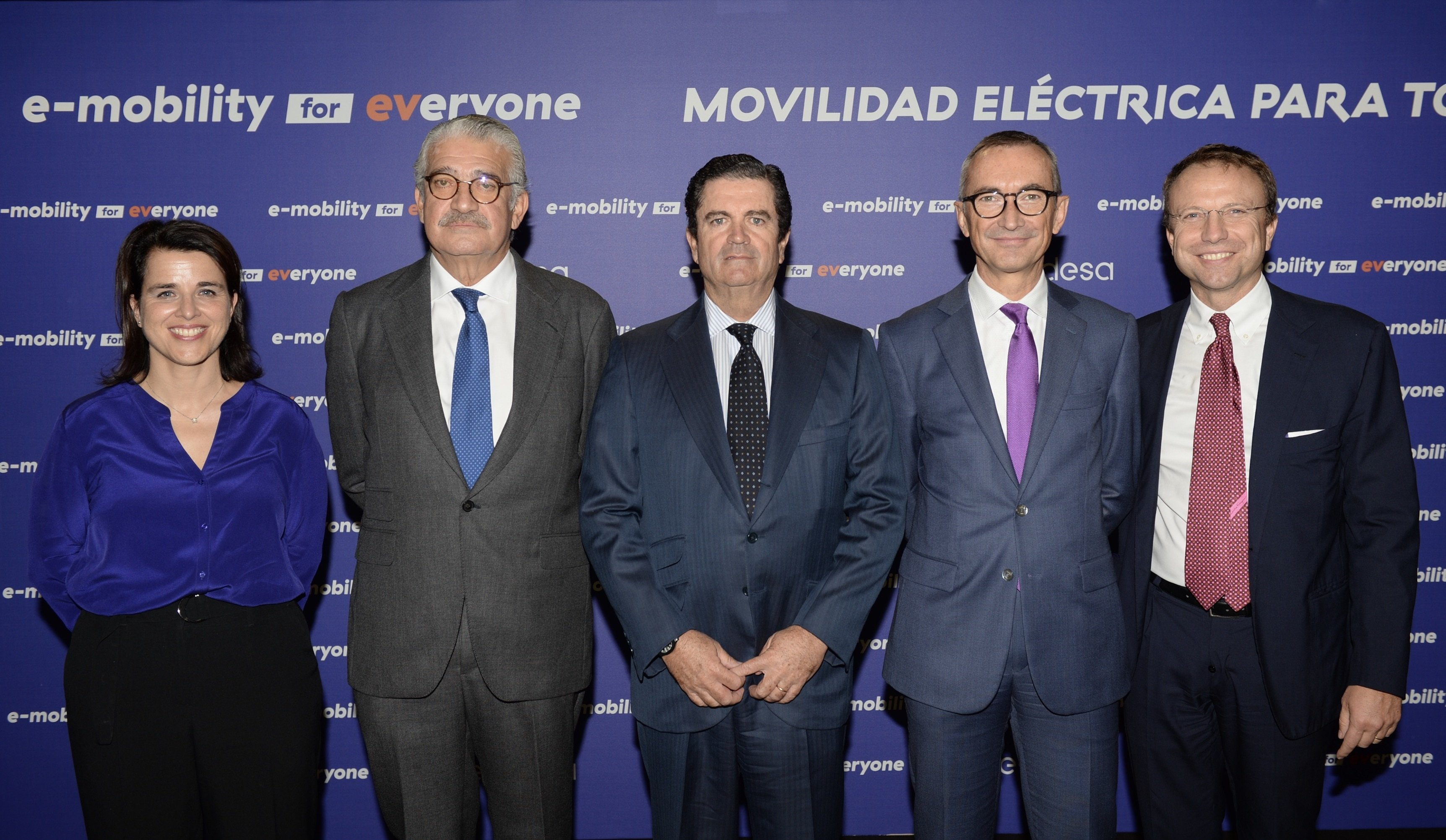 Endesa concreta el guiño a Teresa Ribera: instalará 15.000 electrolineras en cinco años