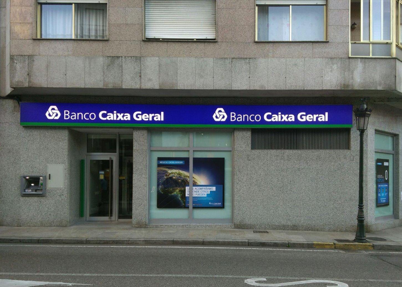 Abanca ampl a su red fuera de galicia con la compra de la - Pisos banco caixa geral ...