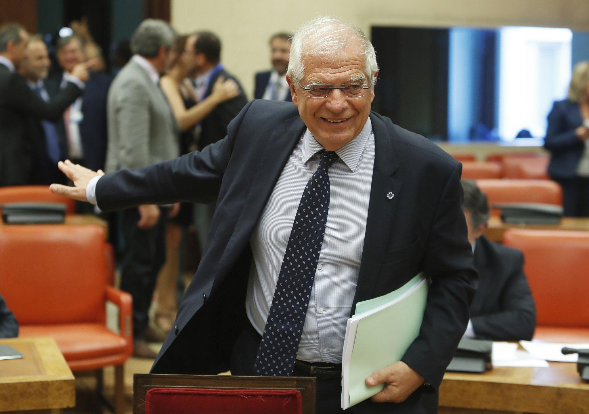 La multa de la CNMV a Borrell por Abengoa recorta un 42% su sueldo anual como ministro