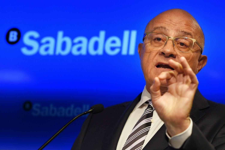 Josep Oliu, a diferencia de muchos de sus colegas, sí ha hablado sobre el tema del momento