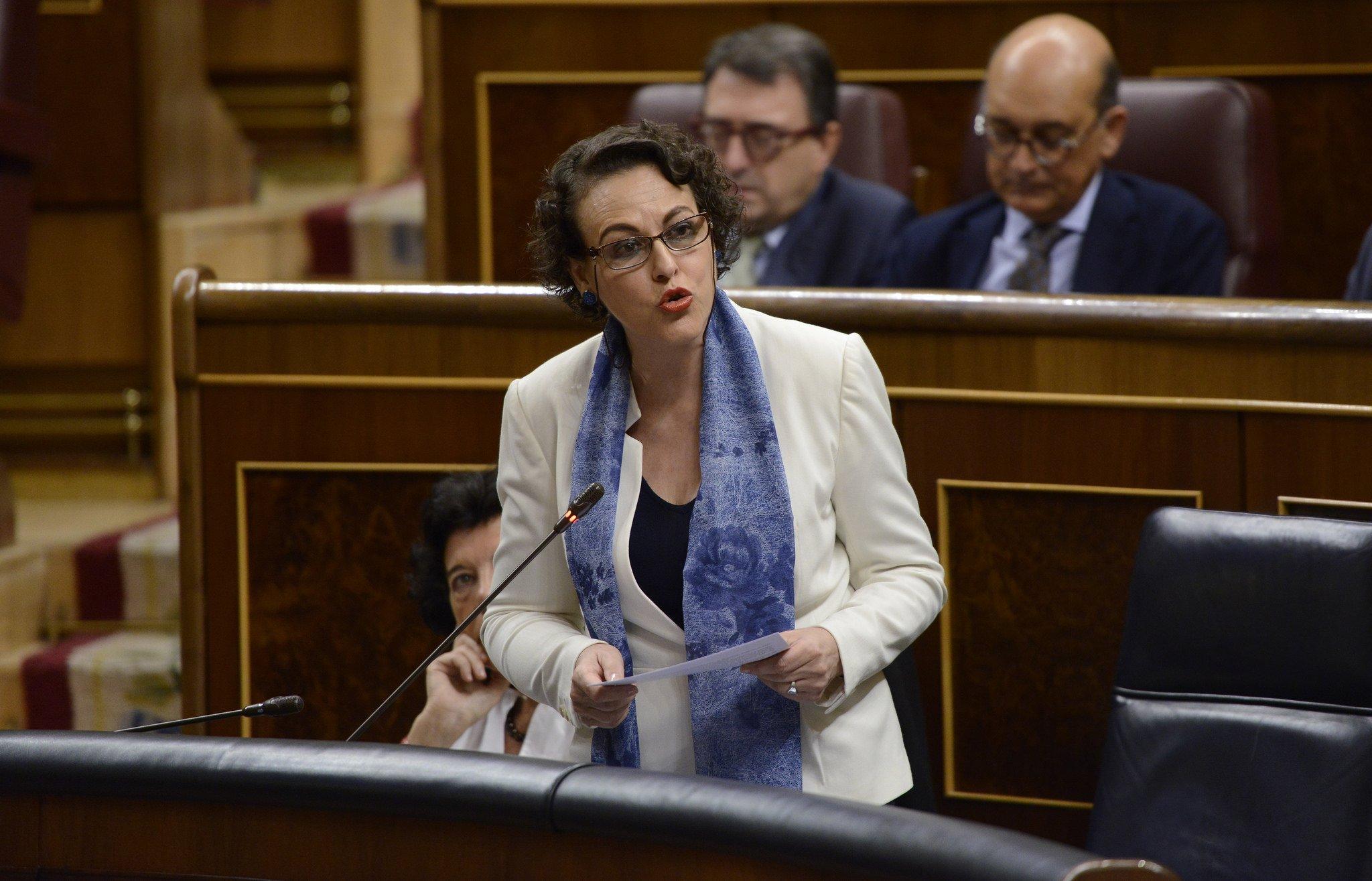 La ministra de Trabajo, Magdalena Valerio, intenta engañar a los españoles con el modelo de pensiones inglés