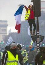 La rebelión francesa de los chalecos amarillos recuerda mucho a la sentada del 15-M español