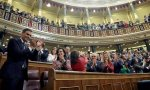 Sánchez celebrando la victoria en la moción de censura, pero dentro de unos meses, puede haber hacatombe