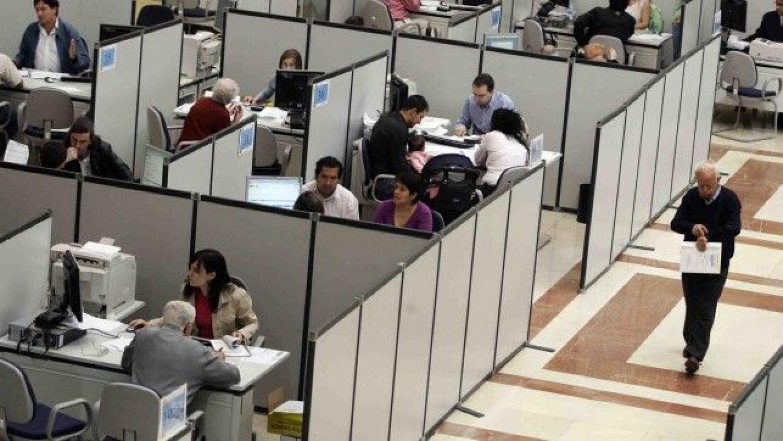 El desastre del parón forzoso decretado por Sánchez: la Seguridad Social perdió 833.979 cotizantes en marzo