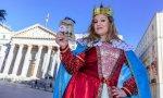 Una reina maga castiga con carbón a los diputados