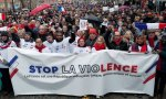 Francia. Surge un movimiento de 'Bufandas rojas'
