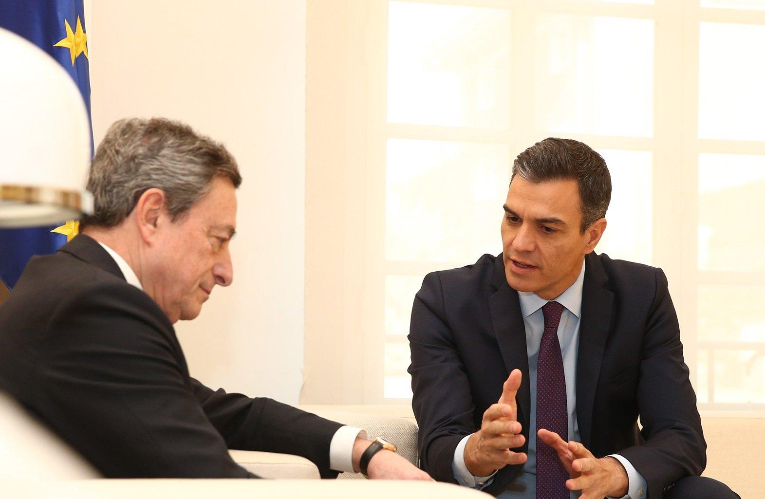 Draghi apremia a Pedro Sánchez a recortar la deuda pública, fuera de órbita.