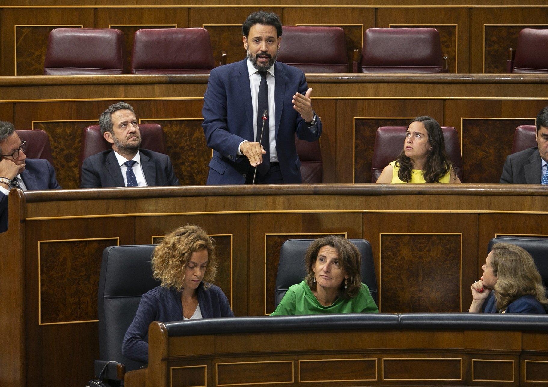 El rechazo a los Presupuestos paraliza la transición energética de Teresa Ribera.