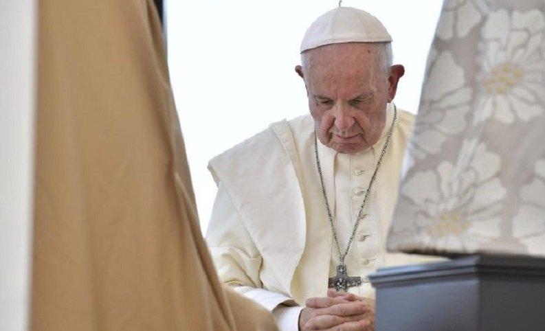 Francisco se ha convertido en la barrera frente al Anticristo, que ya está operativo… sea persona, idea, o ambas cosas a la vez.