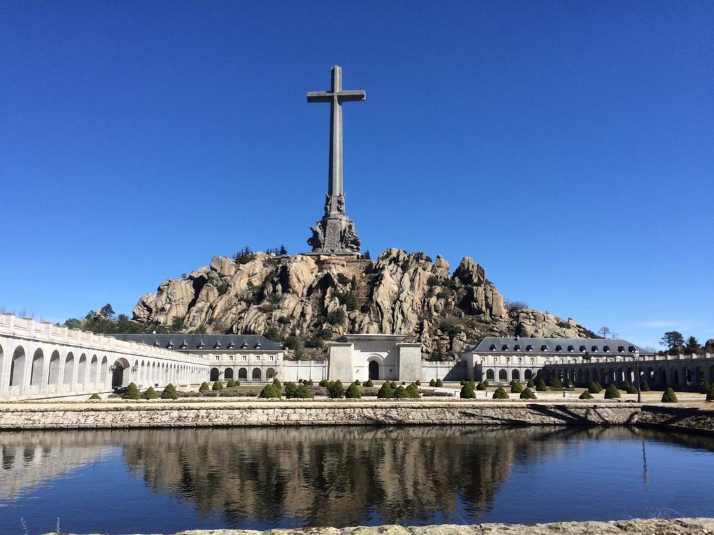 """Valle de los  Caídos. El prior no acepta que el Gobierno desentierre a Franco porque se profana """"un lugar sagrado"""""""
