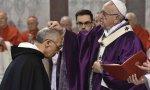 """Papa Francisco, en la celebración del Miércoles de Ceniza: """"Conviértete y cree en el Evangelio"""" es la frase que se dice mientras se hace la Señal de la Cruz con la ceniza"""