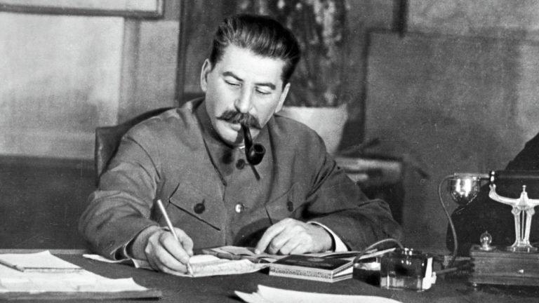 El comunista Stalin ordenó matar a millones de personas