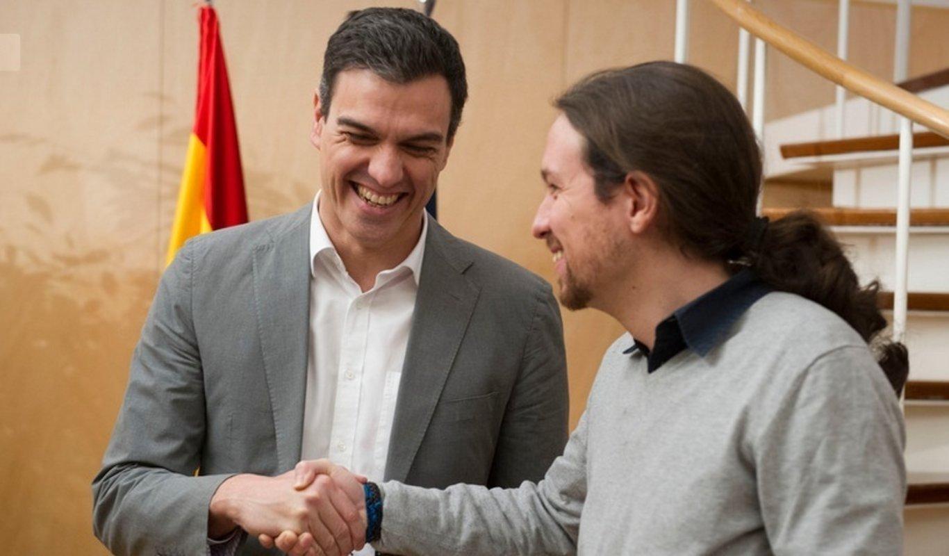 Pedro Sánchez, líder del PSOE, y Pablo Iglesias, líder de Podemos