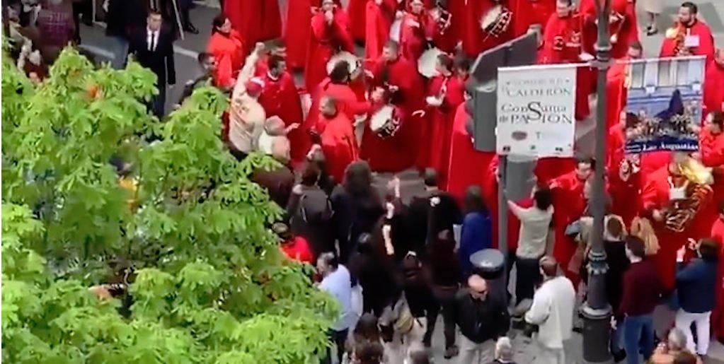 Los cofrades de La Borriquilla fueron asaltados el Domingo de Ramos por un grupo de izquierdistas, José Ignacio Herrán, entre ellos