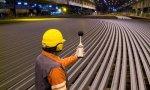 ArcelorMittal sufre problemas por las importaciones de acero y los altos costes en Europa, donde ajustará la producción