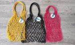 Bolsas hechas con redes de pesca
