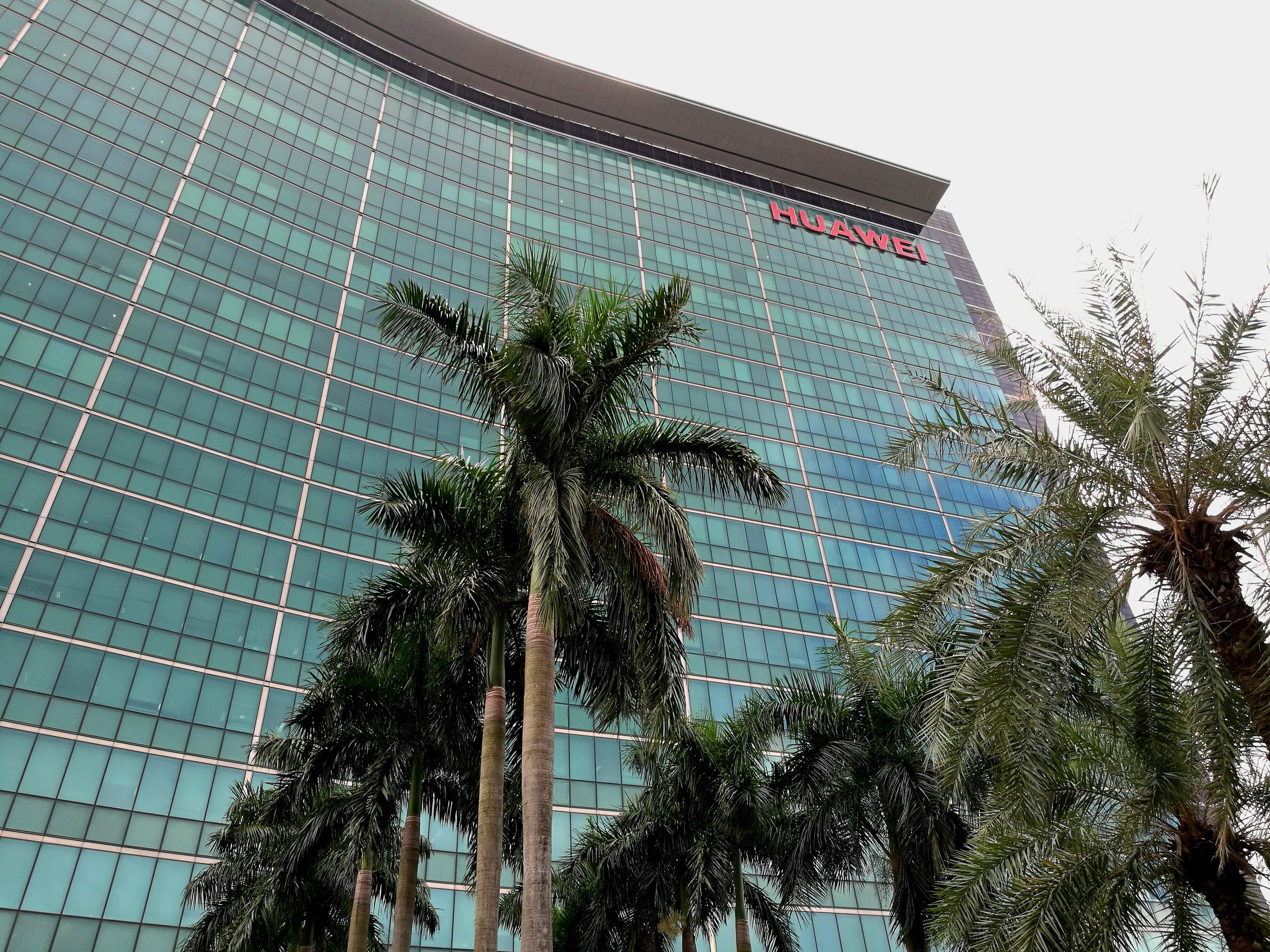Huawei compite dopado en el mercado internacional: el régimen comunista chino le inyectó 75.000 millones de dólares