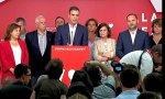 Pedro Sanchez anunciando que el PSOE ha ganado las elecciones del 26-M. Viendo las caras, cualquiera lo diría