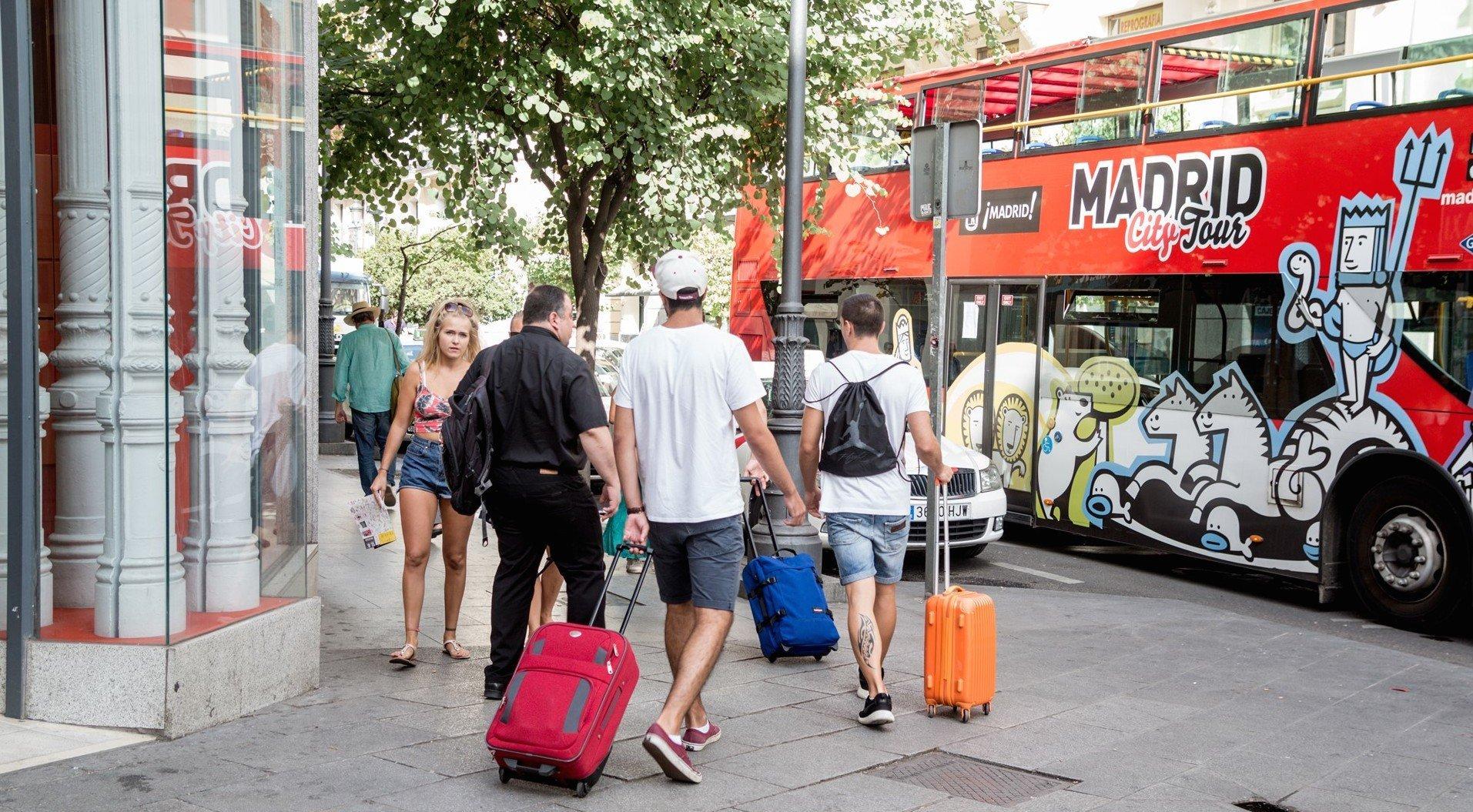 Coronavirus. El sector turístico es el más afectado de todos: prepara ERTEs, renegocia alquileres, dona comidas…